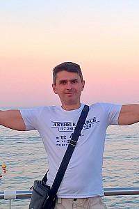 Владимир Петьков