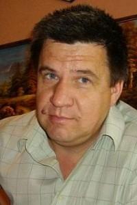 Виктор Артамонов